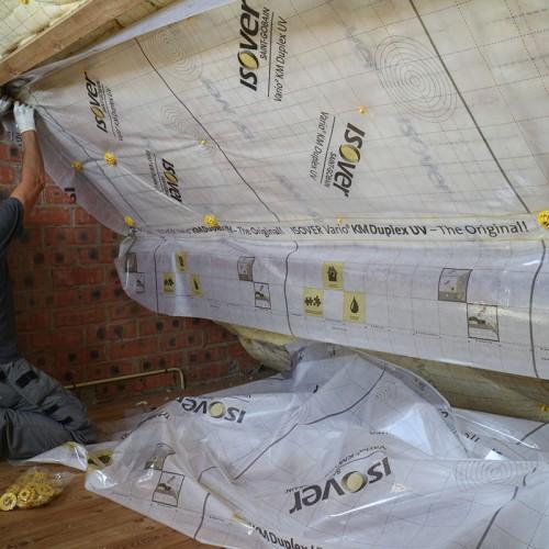 Met Isover je dak isoleren in het kader van de nieuwe woningpas en het bijhorende energieprestatiecertificaat