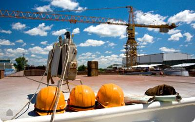 Bouwfirma's gaan doorwerken tijdens bouwverlof om achterstand in te halen.