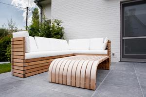 Tuintafel naar een design van tuinarchitect Berwout Dochy